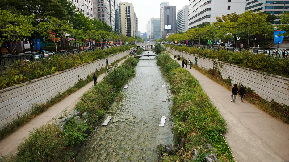 Con suối Cheonggyecheon